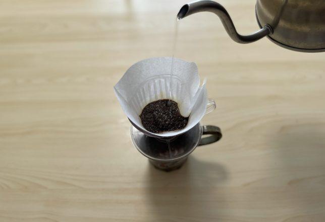 コーヒー豆を30秒蒸す